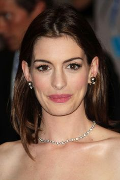 Anne Hathaway Photo - Anne Hathaway at The Costume Institute Gala in New York