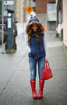 Botas de lluvia casual winter outfits, it is finished Vest Outfits, Fall Outfits, Cute Outfits, Navy Vest Outfit, Puffer Vest Outfit, Red Puffer Vest, Western Outfits, Winter Outfits Warm Casual, Outfit Winter