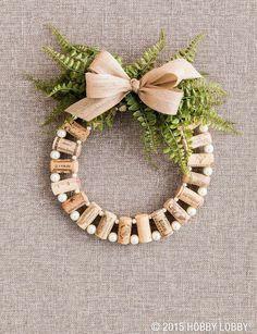 Christmas Table Centerpieces, Homemade Christmas Decorations, Diy Christmas Ornaments, Christmas Wreaths, Ornaments Design, Christmas Music, Xmas, Holiday Decor, Wine Cork Wreath