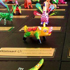 Trofeos con mini Alebrijes oaxaqueños. ¡Son regalos corporativos muy lindos y accesibles! http://www.regalos-artesanales.com.mx