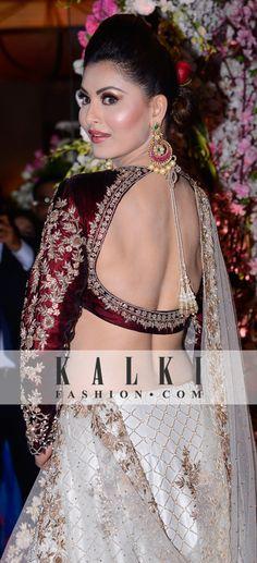 URVASHI RAUTELA SKU - 351549 PRICE - 1,29,500 /- Choli Blouse Design, Blouse Neck Designs, Pakistani Outfits, Indian Outfits, Beautiful Saree, Beautiful Dresses, Blouse Desings, Sexy Blouse, Saree Blouse