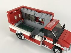 The interior is totally different compared to the first version. Sorry for the bad photos, I tried my best. Lego City Fire Truck, Lego Truck, Fire Trucks, Play Ideas, Lego Ideas, Lego Ambulance, Friendly Dog Breeds, Transporter Van, Lego Baby