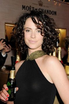 Amy Manson London as Merida from Brave on Once Upon A Time ...