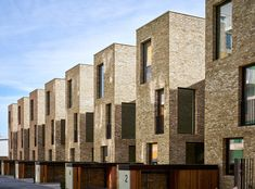 Signal Townhouses – contemporary, three-bedroom terraced houses in Greenwich, London, UK Terrace House Exterior, Townhouse Exterior, Architecture Concept Diagram, Brick Architecture, Brick Facade, Facade House, Green Terrace, Mews House, Townhouse Designs