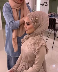 Hijabi Wedding, Muslimah Wedding Dress, Muslim Wedding Dresses, Hijab Bride, Hijab Casual, Hijab Chic, Casual Outfits, Hijab Dress Party, Hijab Style Dress