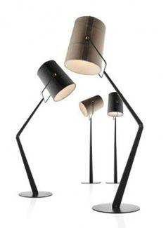 Opvallende vloerlamp 'Diesel by Foscarini' geïnspireerd op het buitenleven en het avontuur van het kamperen.