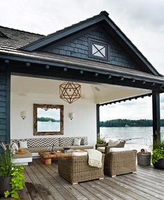 lake house lounge