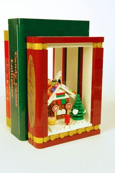 """2016 - lego winter wonderland bookends """"gorgeous gingerbreads"""", """"candy canes and lollipops"""", """"visions of sugar plums"""" Lego Christmas Ornaments, Lego Christmas Village, Lego Village, Christmas Goodies, Handmade Christmas, Lego Gingerbread House, Lego Winter, Mario Toys, Micro Lego"""