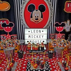 Carolina V's Birthday / Mickey mouse - Photo Gallery at Catch My Party Mickey Mouse Photos, Mickey Mouse Bday, Mickey Mouse Clubhouse Birthday Party, Mickey Mouse Parties, Mickey Party, Mickey Mouse And Friends, Mickey Mouse Birthday, Boy Birthday Parties, Cookies Et Biscuits