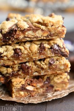 peanut-butter-snickers-chocolate-chip-cookie-bars-recipe