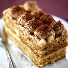 A classic Tiramisu recipe. Tiramisu Recipe from Grandmothers Kitchen. Köstliche Desserts, Delicious Desserts, Delicious Dishes, Grandmothers Kitchen, Italian Pastries, Italy Food, Tiramisu Cake, Classic Desserts, Something Sweet