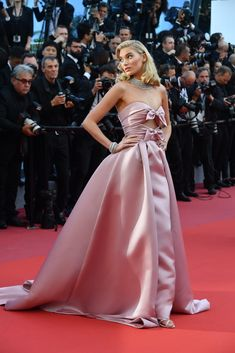 Cannes Film Festival 2018 Best Dressed: i migliori look sfoggiati dalle star Cute Prom Dresses, Wedding Party Dresses, Club Dresses, Bridal Dresses, Nice Dresses, Formal Dresses, Elsa Hosk, Dress With Bow, Pink Dress