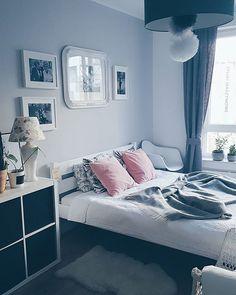 Nadchodzą zmiany 😁  Bardzo zimno! Zalecane są czapy i rękawice😥🌬🌨 #Wednesday #środa #autumn #jesień #zimno #coldday #vsco #vscopic #vscolife #vscom #vscogood #poland #cool #happy #changes #pic #bedroom #bed #scandiroom #interdecor #interdesign #interior #wnetrze #sypialnia #interiorandhome #homedeco #home #homedesign
