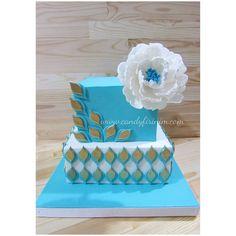 Engagement cake with flower (sugar peony)  #sekerhamuru #butikpasta #candyfirinim #fondantcake #sugarart #nisanpastasi