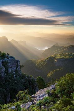 Blyde River Canyon - Afrique du Sud  Put this on your Bucket list - for sure .
