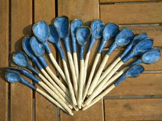 These handmade spoons are each one-of-a-kind. They are perfect for stirring a hot drink, dishing out dollops of sauces, chutneys and sour Ceramic Spoons, Stoneware Clay, Ceramic Pottery, Ceramic Art, Pottery Handbuilding, Pottery Shop, Pottery Techniques, Boho Diy, Painted Pots