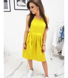 Žlté šaty Summer Dresses, Fashion, Moda, Summer Sundresses, Fashion Styles, Fashion Illustrations, Summer Clothing, Summertime Outfits, Summer Outfit
