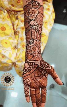 Dubai Mehendi Designs, Arabic Bridal Mehndi Designs, Engagement Mehndi Designs, Henna Tattoo Designs Simple, Full Hand Mehndi Designs, Mehndi Designs For Girls, Henna Art Designs, Mehndi Design Photos, Dulhan Mehndi Designs