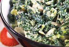 Creamy Spinach with Mushrooms - This can be eaten on its own, in a pasta or as a side dish. Vegetarian Cooking Classes, Malva Pudding, Peppermint Crisp, Easy Weekday Meals, Apple Soup, Stuffed Mushrooms, Stuffed Peppers, Creamy Spinach, Gratin