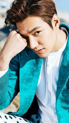 Seriously oppa u are looking awesome Boys Before Flowers, Boys Over Flowers, Asian Actors, Korean Actors, Lee Min Ho Smile, K Pop, Heirs Korean Drama, Lee Minh Ho, Lee Min Ho Photos