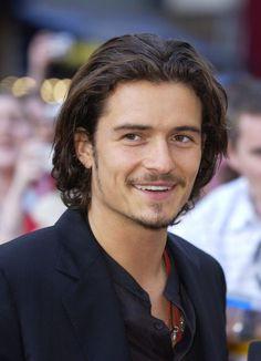 Sexiest man alive. Orlando Bloom, male actor, hottie, eyecandy, long hairstyle, celeb, portrait, photo