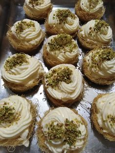 Greek Desserts, Greek Recipes, Brownie Recipes, Dessert Recipes, Greek Cooking, Food For Thought, Cheesecake, Deserts, Muffin