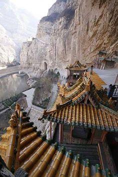 Hanging Temple of Hengshan  content | editor : Rachel Zhuang