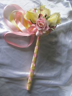 Flower girl wand but in your colors Small Flower Bouquet, Flower Girl Wand, Bridal Flowers, Flower Girls, White Wedding Bouquets, Bride Bouquets, Floral Wedding, Plan My Wedding, Wedding Planning