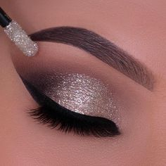 Cute Eye Makeup, Creative Eye Makeup, Eye Makeup Steps, Glitter Eye Makeup, Beautiful Eye Makeup, Eye Makeup Art, Colorful Eye Makeup, Smokey Eye Makeup, Eyeshadow Makeup