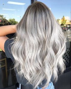 24 Best Silver Blonde Hair Colours To Try In 2020