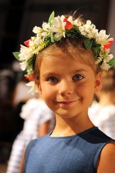 @ilgufospa Spring 2015, backsage girl portrait from the pitti bimbo 79 fashion show @epitti. #ilgufo #SS15 #spring #summer #springsummer2015 #childrens #kids #childrenswear #kidswear #kidsfashion #girls #boys #pittibimbo79 #ilgufoliveshow