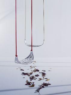 Leaf swing by Alberto Sanchez