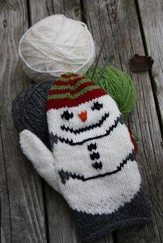 варежки снеговики
