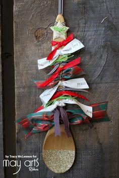 Holiday Kids Crafts Ideas - Wooden Spoon Christmas Tree