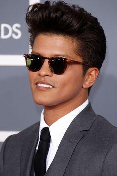 Bruno Mars' Casual Pompadour