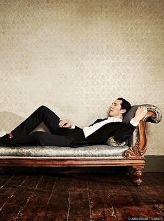 An Edit a Day ⚜ Benedict Cumberbatch ⚜ I appreciate that man's taste for crazy socks. Can I cuddle this? Will I be cuddling Benedict in this pic if I cuddle my phone? I wanna cuddle the otterrrrrrrrr DX Ben Barnes, Lee Pace, Benedict Cumberbatch Sherlock, Sherlock Holmes, Orlando Bloom, Keanu Reeves, Tom Hiddleston, Beautiful Men, Beautiful People