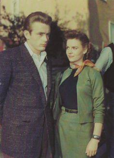 James Dean & Natalie Wood postcard