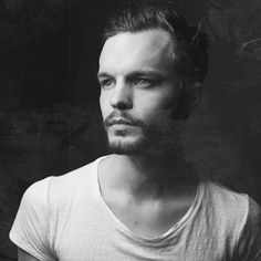 Hot: The Tallest Man on Earth premiere new single 'Rivers'