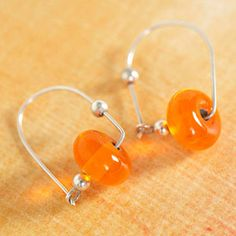 I need silver wire! http://www.bhg.com/crafts/beads/jewelry/trendy-bead-and-jewelry-projects/#page=18