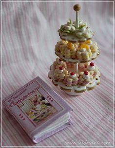 Linnanneidon lokikirja: Uusia herkkuja - New sweets Witch, Miniatures, Sweets, Breakfast, Food, Morning Coffee, Gummi Candy, Candy, Essen
