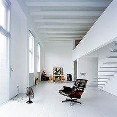 eames, the perfect chair, someday this will be mine.