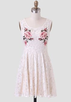 Love Notes Lace Dress @Ruche Picking a favorite dress was such a task! i went for this one cause it's so cute but so simple at the same time. #PinADayInMay