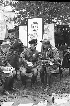 The Red Army marched into Brest at eight in the morning of Sept. 23, 1939. After the negotiations between the two commanders, the two armies (German and Russian) started fraternizing. The soldiers offered to each other cigarettes and the officers the local Brest beer.