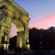 Where will you catch the #sunset this evening? #nyc #washingtonsquarepark #manhattan #landmark #summer #travel - http://washingtonsquareparkerz.com/where-will-you-catch-the-sunset-this-evening-nyc-washingtonsquarepark-manhattan-landmark-summer-travel/
