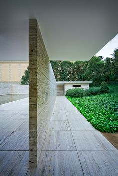 Barcelona Pavilion | Barcelona, Spain | Mies van der Rohe