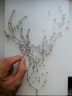The Latest Trend in Embroidery – Embroidery on Paper - Embroidery Patterns Metal Art, Wood Art, Diy Home Crafts, Arts And Crafts, Geometric Deer, String Art Patterns, Doily Patterns, Nail String Art, Neuer Job