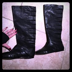 Botkier Black leather Boots size 38 Beautiful gently used Botkier black boots size 38 in perfect condition. No stain marks or tares in lining fabric. Comes with travel safety bag! Only one small line indent on side of one boot shown in photo listed above! These are absolutely stunningly sexy boots!😉👢 Botkier Shoes