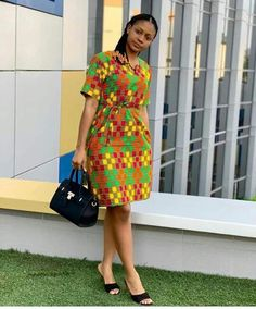 ankara mode Kesyhub is your one stop site for all your fashion and beauty needs. We provide you with trending fashion and keep you updated all year round Ankara Dress Designs, African Print Dress Designs, African Print Skirt, African Print Dresses, African Print Fashion, African Design, African Prints, Short African Dresses, Ankara Short Gown Styles
