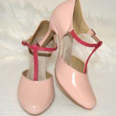 Ružové topánky v tanečnom štýle s úpravou na bežné nosenie v kombinácii exkluzívnej kože - ružový púder a pravej kože ružovej. Úpravy podľa želania klientky. Navrhni si aj TY topánky podľa seba...sme tu pre Vás Character Shoes, Dance Shoes, Retro, Heels, Fashion, Moda, La Mode, Dancing Shoes, Shoes High Heels