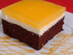 Fanta szelet:Tészta:-6 db tojás, 4 ek. liszt,       2 ek. kakaó, 6 ek. cukor, 1 dl olaj, 1/2 cs. sütőpor          Töltelék: 12 dkg margarin, 12 dkg porcukor,             25 dkg túró, 1 cs. van.cukor,          Teteje: 1 cs. van.pudingpor, 3,5 dl Mirinda narancs, 3 ek. cukor